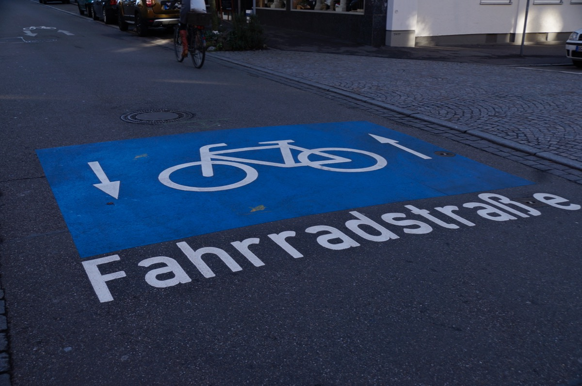Fuß- und Radverkehr mit Sicherheitsabstand ermöglichen