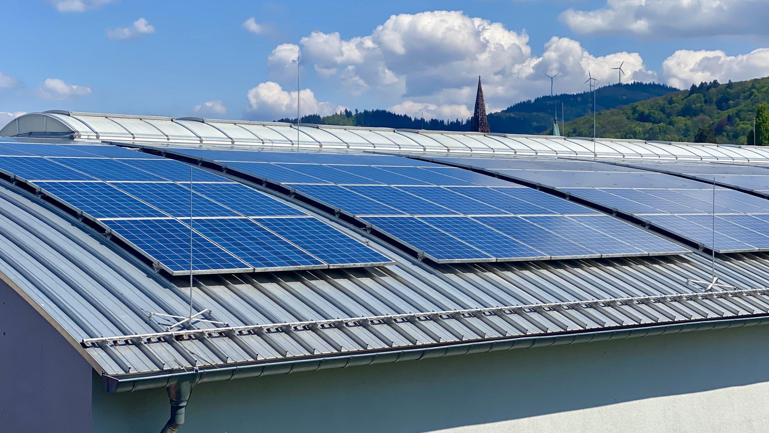 Solaranlage und Schulerweiterung